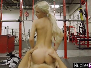 Porno video: Petite And Tight Kenzie Reeves Teen Pussy Stretched S1:E3