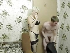 Russische Mutter mit Sohn - 119