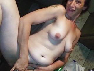 Skinny Mom American video: My Brockton GF's MOM Blackmailed for losing bet on PATRIOTS