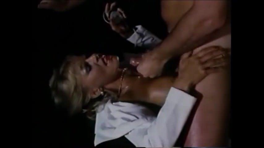 Порно молоденькие лесби и зрелые