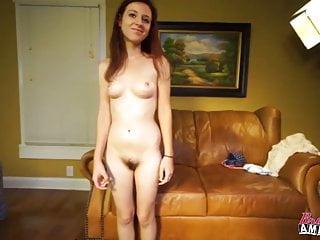 業餘的鑄造沙發採訪得到性交良好