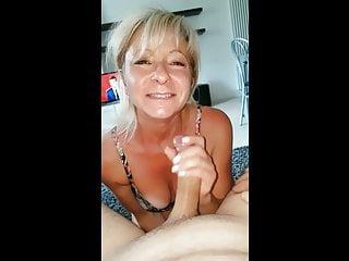 Italian Fingering Blowjob video: Milf italiana