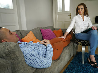 Matures Grannies video: Old psychiatrist and her patient