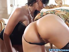 Classy CFNM MILF pussylicked in mff trio