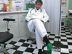 Zakazany Doktor pieprzy pacjenta