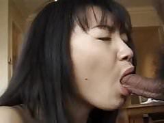 Nádherná japonská dívka se naštvala tvrdě