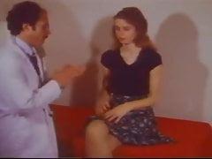 ¡SB3 Wide Eyed Teen inteligentemente se folla a su doctor!
