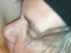 tammys grosse chatte humide se fait lécher, doigts et baiser