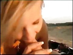 horký nevlastní sestřička na pláži
