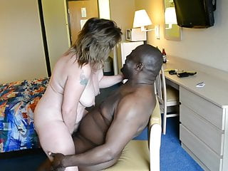 Black Mature Wife vid: Interacial Mature Couple