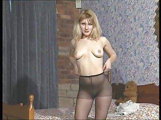 Pantyhose video: ku fc Kym pantyhose