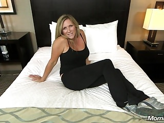 Amateur Babes Pov video: Beautiful Big Tits Cougar Fucks Your Cock POV