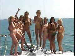 Io e i miei amici More Yacht Orgy Part 4