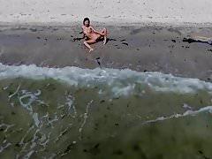 Piękna nastolatka Edes na plaży
