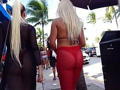 Candid voyeur hot latinas culo grosso in tanga pubblico