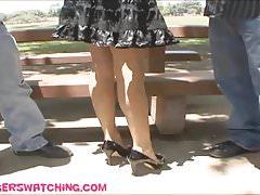 Riesige gefälschte Tittenfrau wird vor Ehemann hart gepflügt