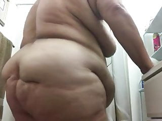 Big Ass Mature Granny video: My fat granny 67yo