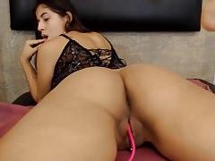 Latina Babe Rozprzestrzenia Jej Fat Ass Open