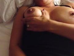 La Joueuse masturbuje się przed tobą. robi mi hołd :)