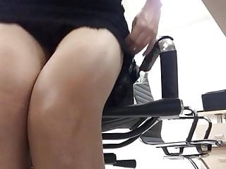 Striptease Secretary Pussy video: she takes off her panties at work