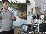 Brazzers - Dirty Masseur - Samantha Ryan Ramon - I Want my M