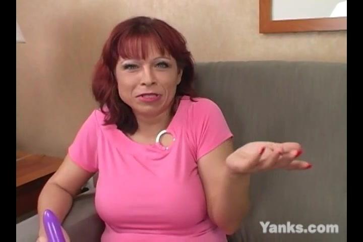 Секси леди в чулках мастурбируют