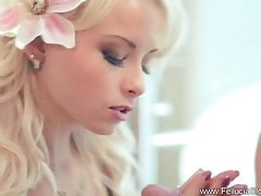 Pretty Blonde Daje Great Blowjob Here