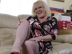 Brytyjska babcia Claire z głodną pochwą