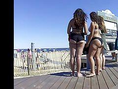Pulchne tyłki w Bikini