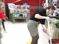 Store manage in smelly tights