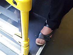 Nonna asiatica piedi caldi in nylon e lunghe unghie dei piedi 02