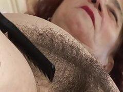 Babcia zerżnięta przez fryzjera