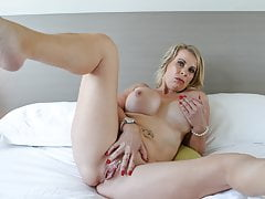 Australian mom Sammi Rox pleasures her pussy with a dildo