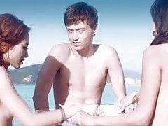 Scene di nudo film cinese coppia ricca e amici
