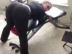 Pawg scuotendo il suo culo grasso