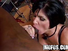 Shay Fox - Milfs Like Rap - MOFOS