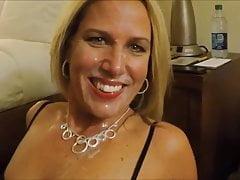 Hot facial cumshot für die blonde frau