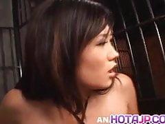 Yui Komine dostaje spermę w ustach