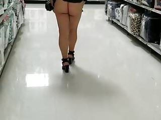 Upskirts Voyeur Flashing video: Ass flash
