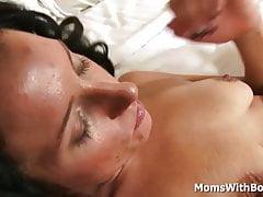 Milf Missy Lee macht ein Sex-Video mit jungen Hahn