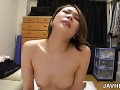 Mao Mizusawa erträgt große Zentimeter in ihre Muschi