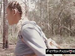 Perdu dans les bois, 18ans, Marsha May