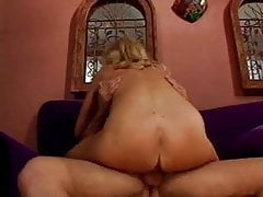 Busty Hot Mature Cougar With Gardener