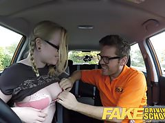 Fake Driving School Teen student creampie po lekcji
