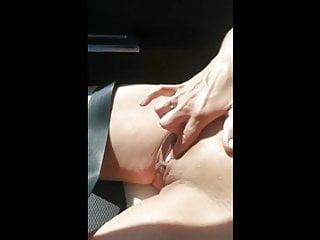Fingering Tits Milf vid: Car masturbation
