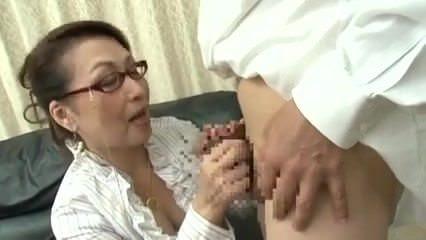 Порно ролики трансы ебут мужчин