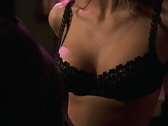 Natasha Henstridge - '' Risque maximum ''