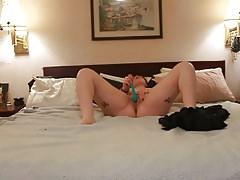 Niccola monta sul letto