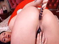 Beautiful Babe Perform An Awesome Masturbation