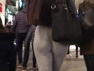 Amazing 18 Years Old Hd Videos video: Teen with amazing ass spandex